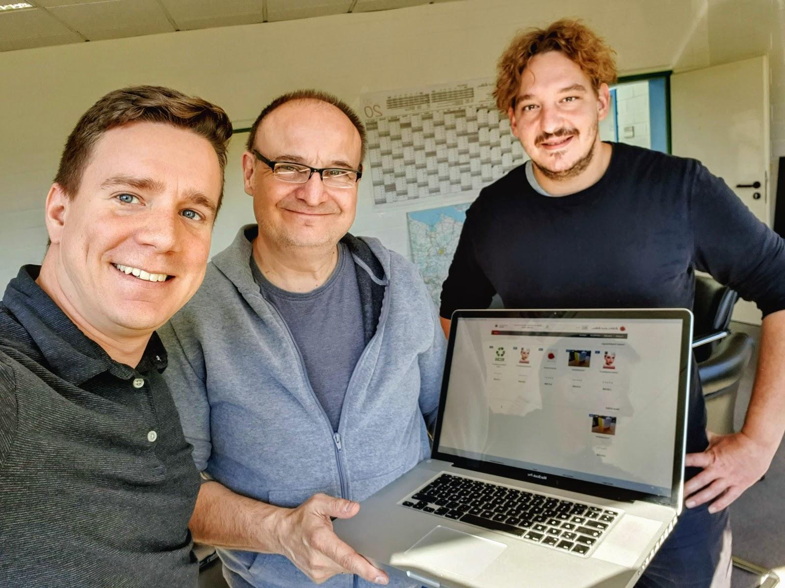 Braun-Klein Siebdruck: Das Team, das den neuen Shop vorangetrieben hat! Von links Torben Bartscherer, Frank Friedrich, Benjamin Lichter